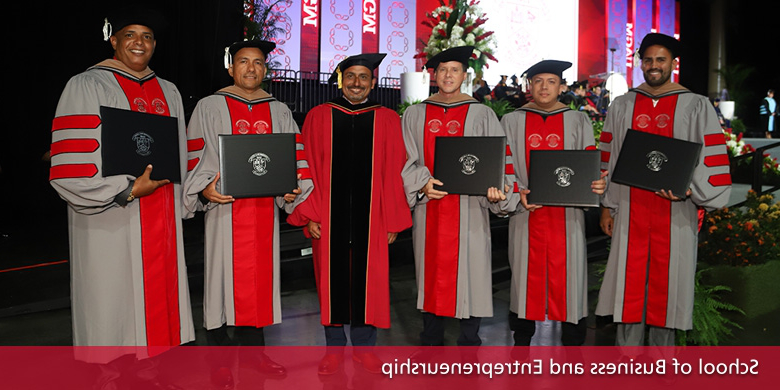 Graduated Students: School of Social Sciences and Communications